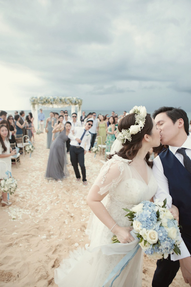 DarrenLeBeuf_SavaVilla_Thailand_Phuket_Berinmade_IanStuart_JennyYoo_JimmyChoo_wedding_destination_beach_outdoor_034