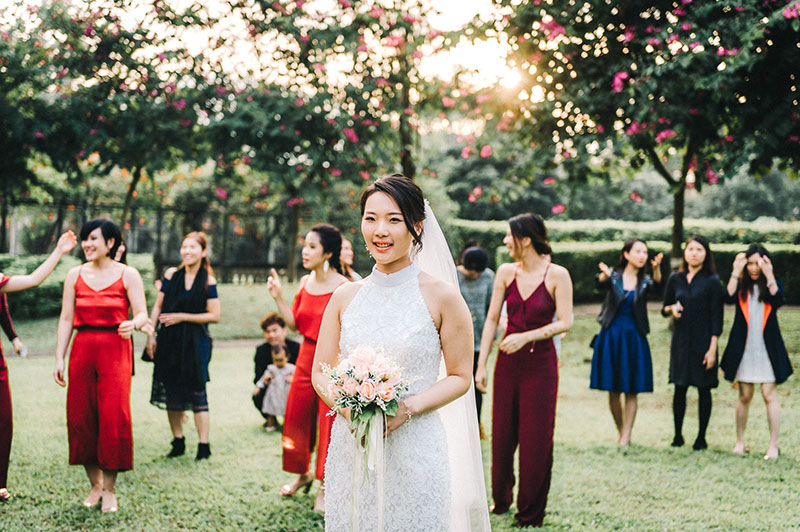 Emma-Fok-Hong-Kong-Wedding-Beas-River-Country-Club-Garden-Outdoor-Red-034