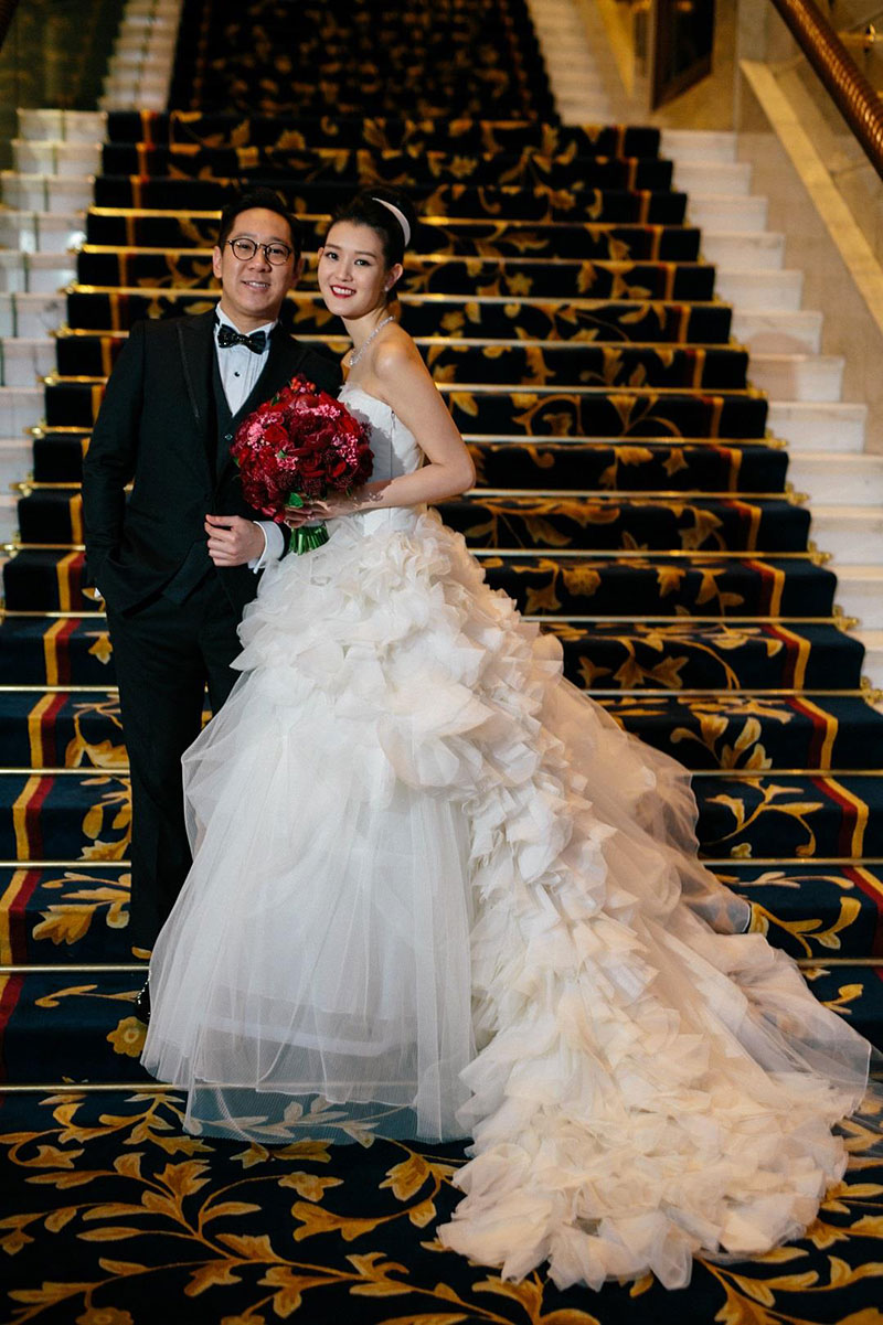 Traditional wedding at island shangri la hong kong for Traditional chinese wedding dress hong kong